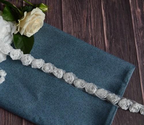 Кружево на сеточке с розами 1.8см