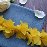 Шифоновый желтый цветочек