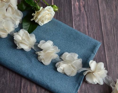 • Шифоновый цветочек Ширина: 6 см. Цена указана за 1 шт.