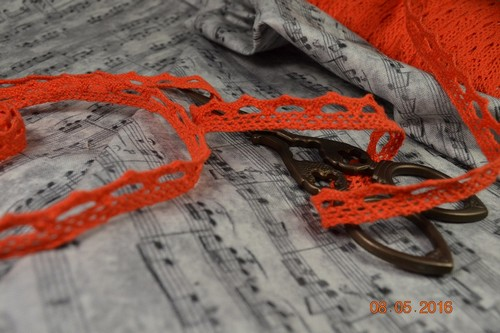 Кружево оранжевое • M083