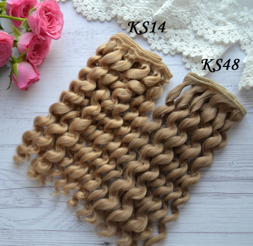 • Волосы для кукол Кудряшки. Длина волос 17 см. Ширина трессы 1 метр. Цена указана за 1 метр.