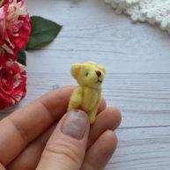 Мишка для куклы желтый 3,5см