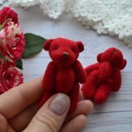Мишка для куклы красный 6см
