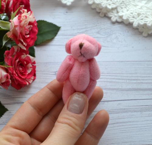 Мишка для куклы розовый 6 см • ALB26