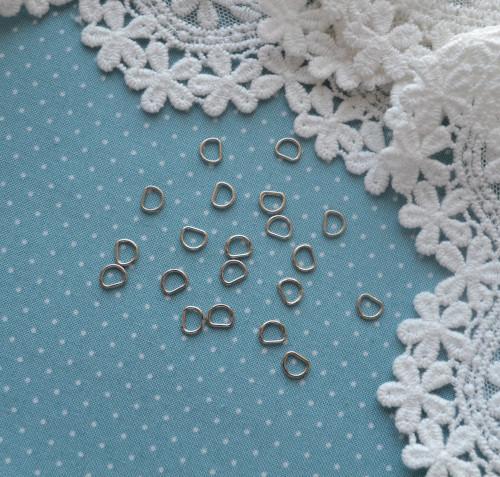 Полукольцо для кукольной одежды и аксессуаров серебро 4шт. • MF31