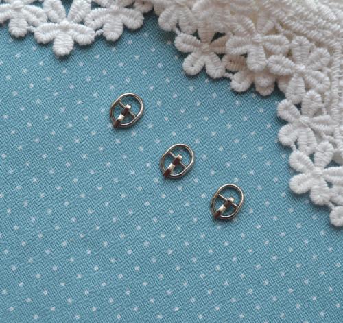 Пряжка для кукольной одежды 8*10мм  серебро • MF50