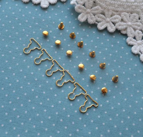Застежка золото для кукольной одежды MF67