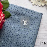 Термонаклейка  Louis Vuitton белая 1*1 см