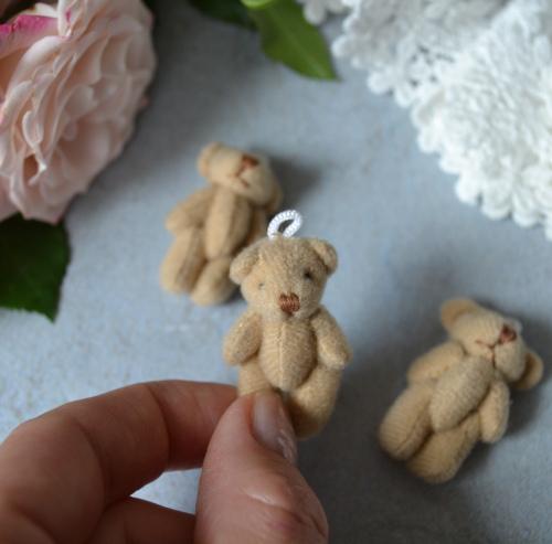 • Мишка для куклы коричневый, тканевый. Аксессуар для куклы. Размер 3,5 см. Цена указана за 1 шт.