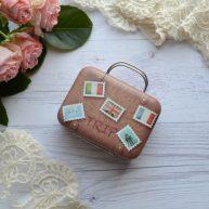 Сумка чемодан для куклы коричневый