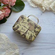 Сумка чемодан для куклы бежево-оливковый