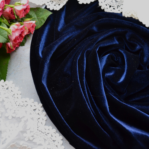 • Бархатная ткань синяя.  Ширина ткани 160см.  Цена указана за 1 отрез 1 отрез – 20*50см 2 отреза - 40*50см 3 отреза - 60*50см 4 отреза - 80*50см …