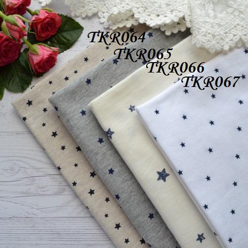• Трикотаж для одежды с синими звездочками.  Ширина ткани 160см.  Размер звездочки 13*12мм. Цена указана за 1 отрез 1 отрез – 20*50см 2 отреза - 40*50см 3 отреза - 60*50см  4 отреза - 80*50см …