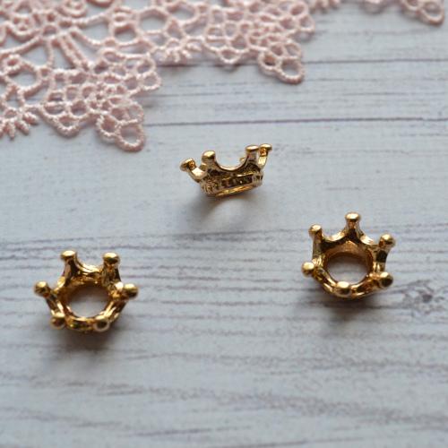 • Корона для куклы красное золото. Размер 13*6 мм. Цена указана за 1 шт.
