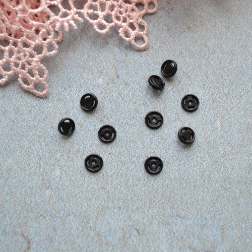 Кнопка пришивная для кукольной одежды 4мм MF106