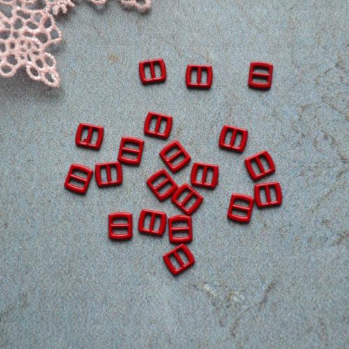 • Мини пряжка красная. Размер 6*5 мм Цена указана за 1 комплект ( 4 шт).