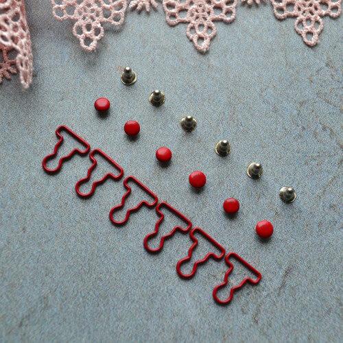 Застежка красная для кукольной одежды MF135