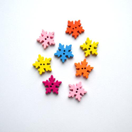 • Новогодние пуговицы декоративные разноцветные снежинки. Микс.  Фурнитура для детской и кукольной одежды, для создания книжек развивашек и прочего.  Размер 19мм.  Цена указана за 5 шт.