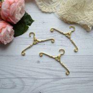 Плечики для кукольной одежды золото 6,5 см AL24
