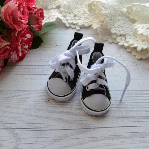 • Кеды на шнурках. Размер 5 * 2,7 см Цена указана за 1 пару.