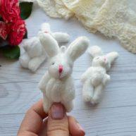 Зайка для куклы белый  8 см с ушками
