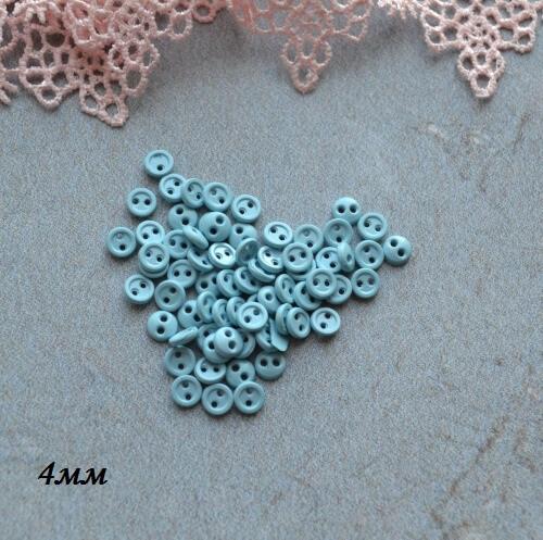 • Пуговицы голубые. Размер 4 мм Цена указана за 10 шт.