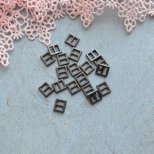 • Пряжка черное серебро. Размер 6*7 мм. Внутренний размер 4мм. Цена указана за 4 шт.