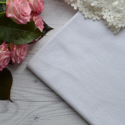 • Трикотажная резинка для одежды кукле. Ширина ткани 104см. (труба 52см) Цена указана за 1 отрез 1 отрез – 20*52см 2 отреза - 20*104см