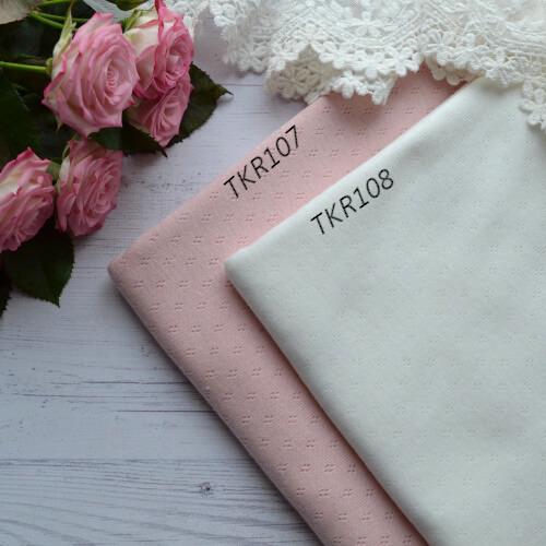 • Тонкий трикотаж для одежды кукле. Ширина ткани 180см. Цена указана за 1 отрез 1 отрез – 25*58см 2 отреза - 50*58см
