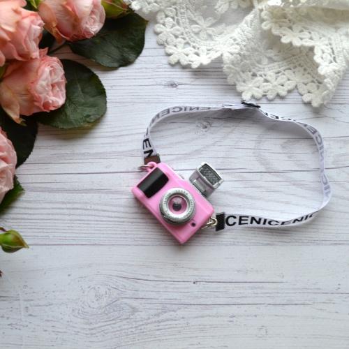• Фотоаппарат розовый. Размер 4*4 см Цена указана за 1 шт.