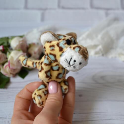 • Леопард. Размер 9 см. Цена указана за 1 шт.