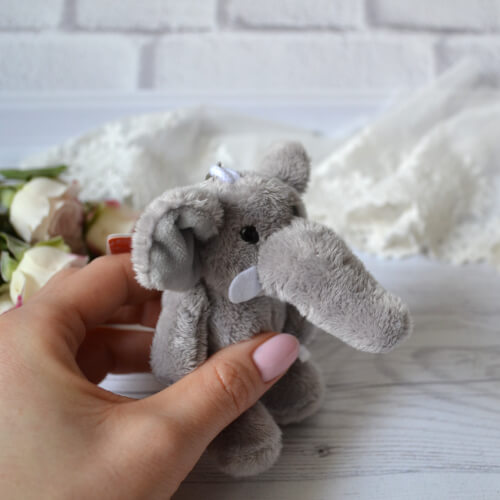 • Слон. Размер 8 см. Цена указана за 1 шт.