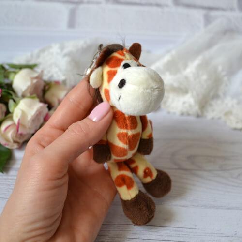 • Жираф. Размер 13 см. Цена указана за 1 шт.