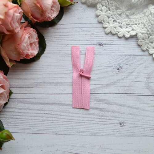 • Потайная розовая молния. Размер 6,5см*1,7см. Цена указана за 1 шт.