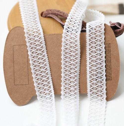 • Кружево-резинка экрю. Для белья, носочков кукле, декора кукольной одежды, шитья, скрапбукинга и прочего рукоделия. Ширина: 16 мм. Цена указана за 1м.
