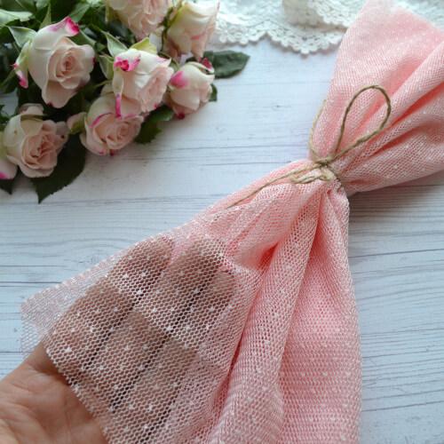 • <h5>Фатин средней жескости Розовый</h5> Ширина ткани 160 см. Цена указана за 1 отрез 1 отрез – 30*80см 2 отреза - 30*160см 3 отреза - 30*160см + 30*80см 4 отреза - 60*160см ...