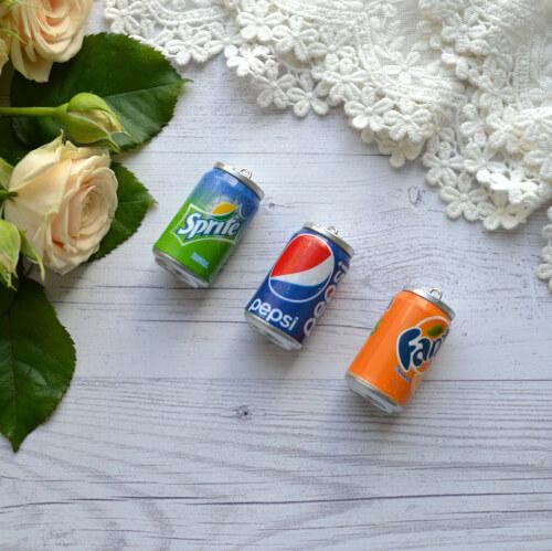 • Миниатюра напиток Fanta. Размер 4*2,5см. Цена указана за 1 шт.