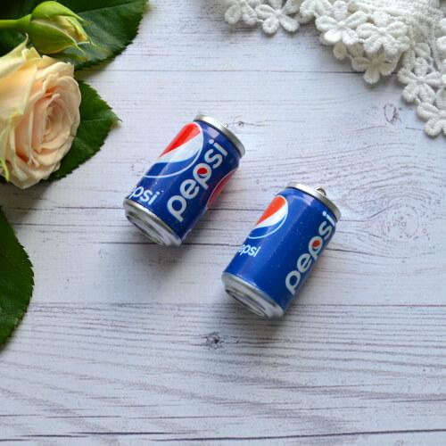 • Миниатюра напиток Pepsi. Размер 4*2,5см. Цена указана за 1 шт.