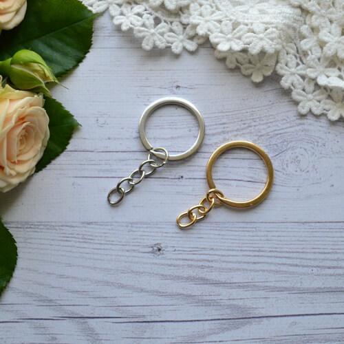 • Основа для брелка золото . Размер кольца 30 мм Цена указана за 1 шт.