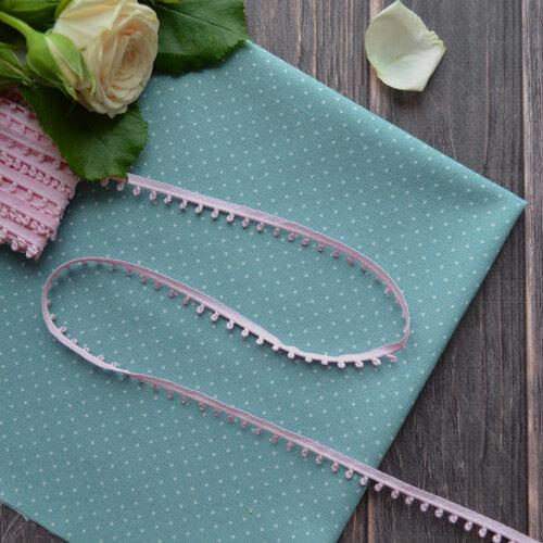 • Кружево с петельками розовое. Для декора кукольной одежды, шитья, скрапбукинга и прочего рукоделия. Ширина: 7 мм. Цена указана за 1м.