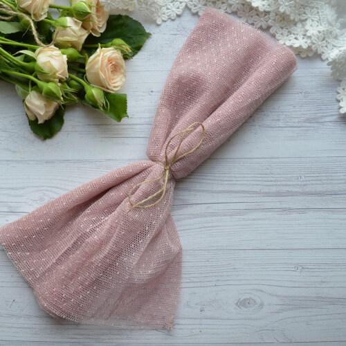 • <h5>Фатин средней жескости пудровый</h5> Ширина ткани 160 см. Цена указана за 1 отрез 1 отрез – 30*80см. 2 отреза - 30*160см ... 4 отреза- 60*160см …