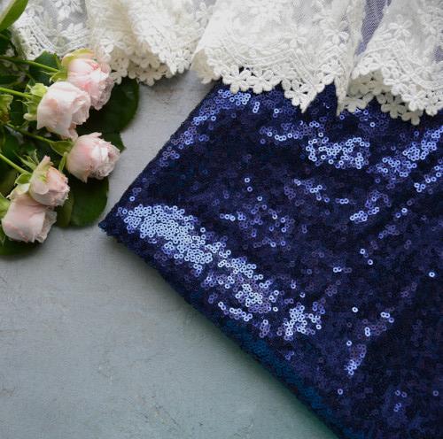 • Пайеточная ткань синяя. Ширина ткани 130см. Размер пайетки 3мм. Цена указана за 1 отрез 1 отрез – 20*50см 2 отреза - 40*50см 3 отреза - 60*50см 4 отреза - 80*50см …