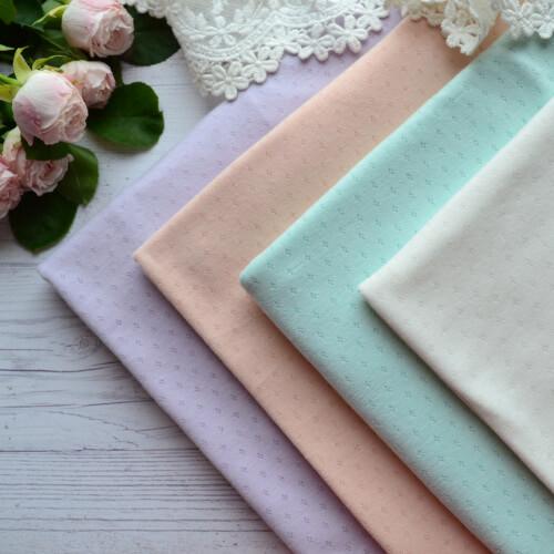 • Набор тканей для белья кукол. Ширина ткани 170см. Цена указана за 4 отреза 25*42см